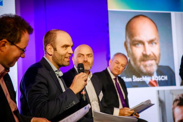 In der Jury war Bosch, E.on, PRE, Siemens, ŠKODA AUTO und T-Mobile vertreten